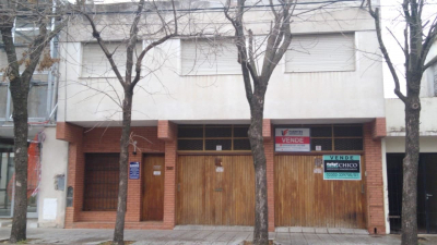Propiedad CASA CENTRICA CALLE 11 ENTRE AVENIDA Y 16